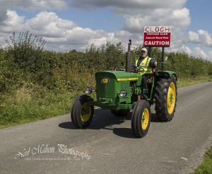 Clogh Vintage Tractor run